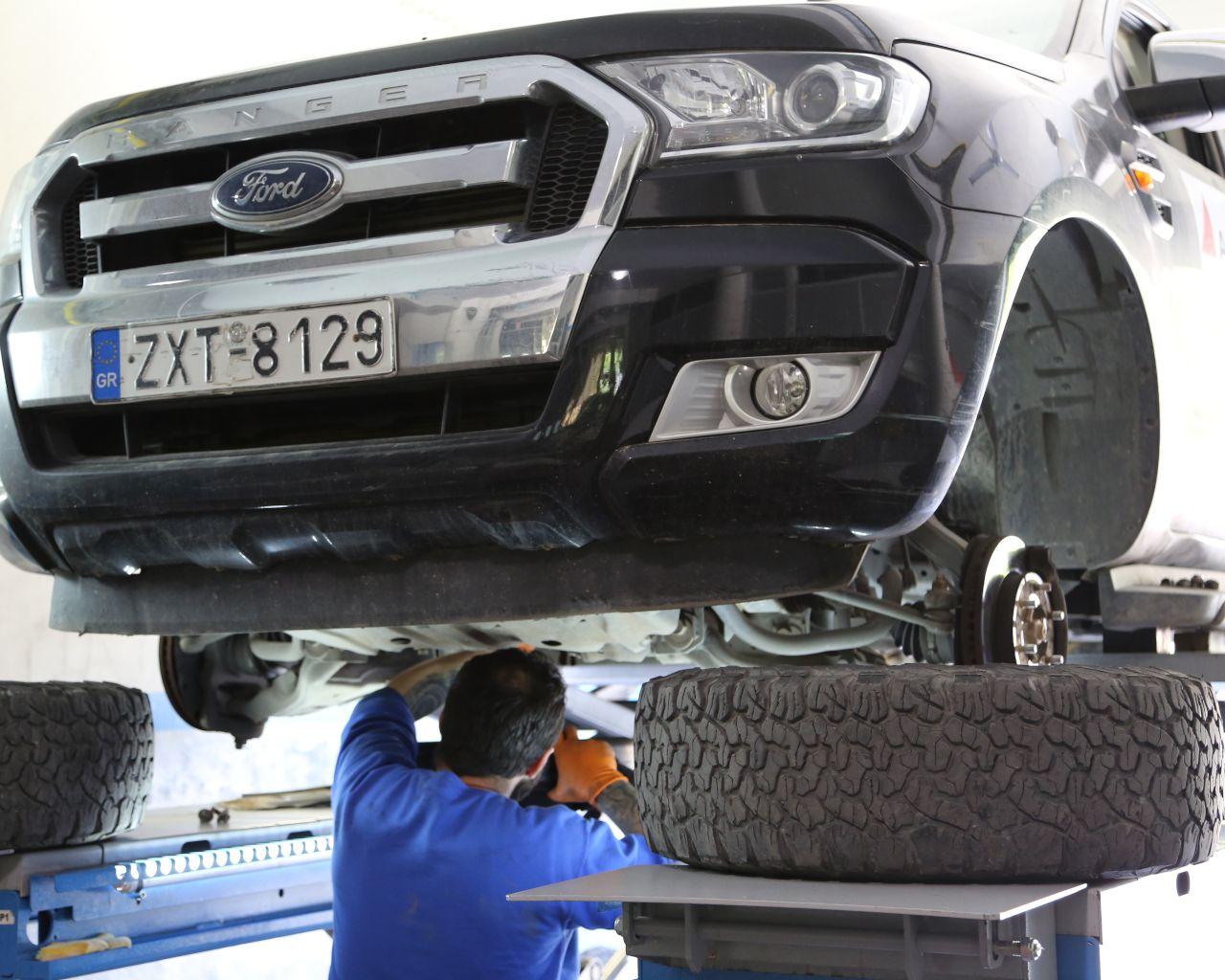 Ford Showroom Liapis Bros - Automotive Electronics